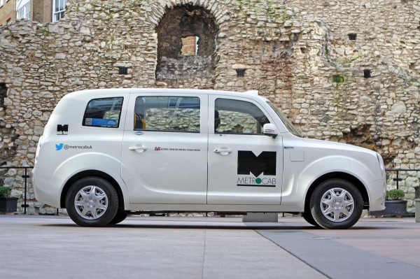 First HEV cabs hits London streets