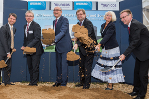 Caspar Baumgart, Thomas Paetzold, Erwin ring Selle, Jürgen Becker, Angelika Gramkow, Clemens Triebel (left) at the groundbreaking ceremony
